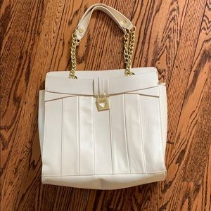 Nwot Betsy Johnson cream leather purse gold
